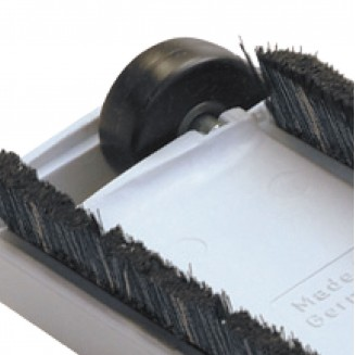 Soft bristle floor brush with wheels - 35 cm